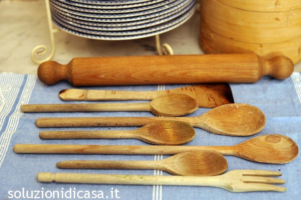 pulire gli attrezzi in legno