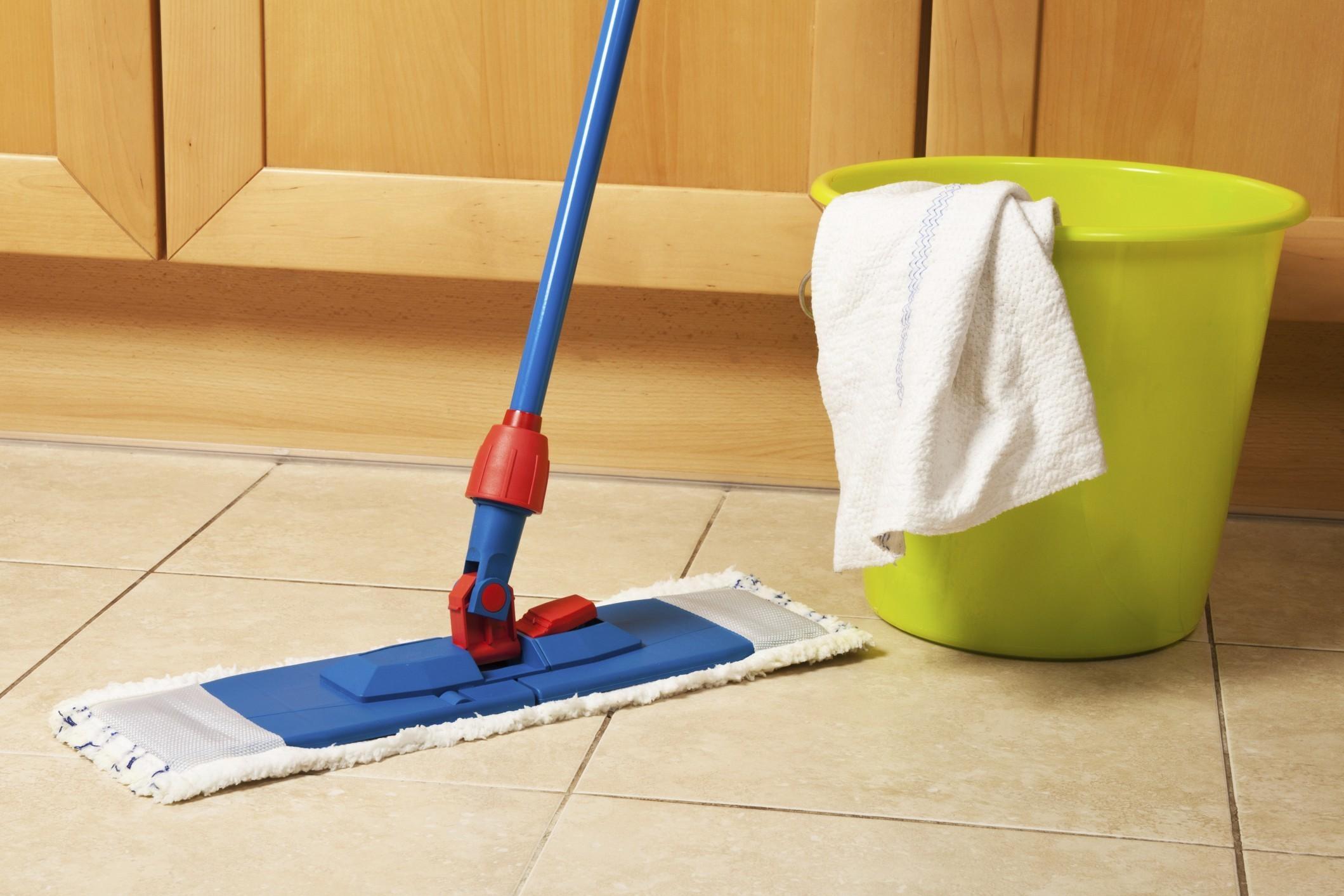 Come passare la cera sul pavimento soluzioni di casa for Pulire parquet