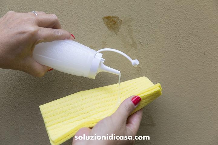 Le macchie sulle pareti soluzioni di casa - Togliere la muffa dai muri di casa ...