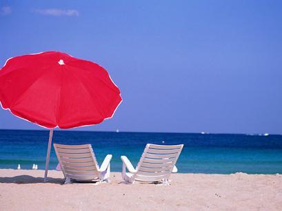 http://www.soluzionidicasa.com/wp-content/uploads/2014/06/La-giusta-attrezzatura-da-spiaggia.jpg