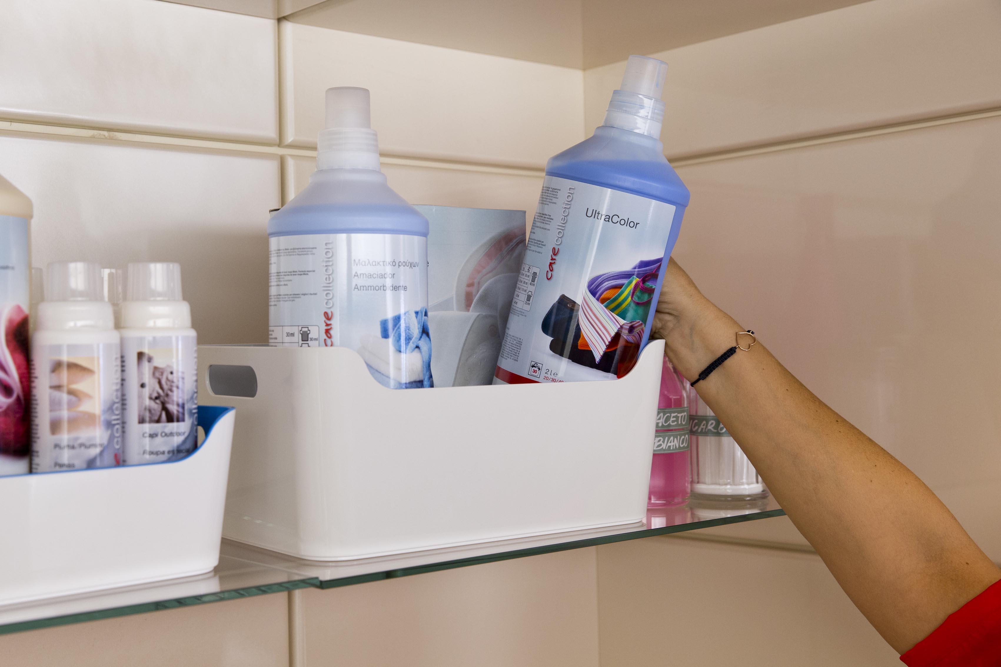 Come organizzare i detersivi soluzioni di casa for Come sistemare la casa