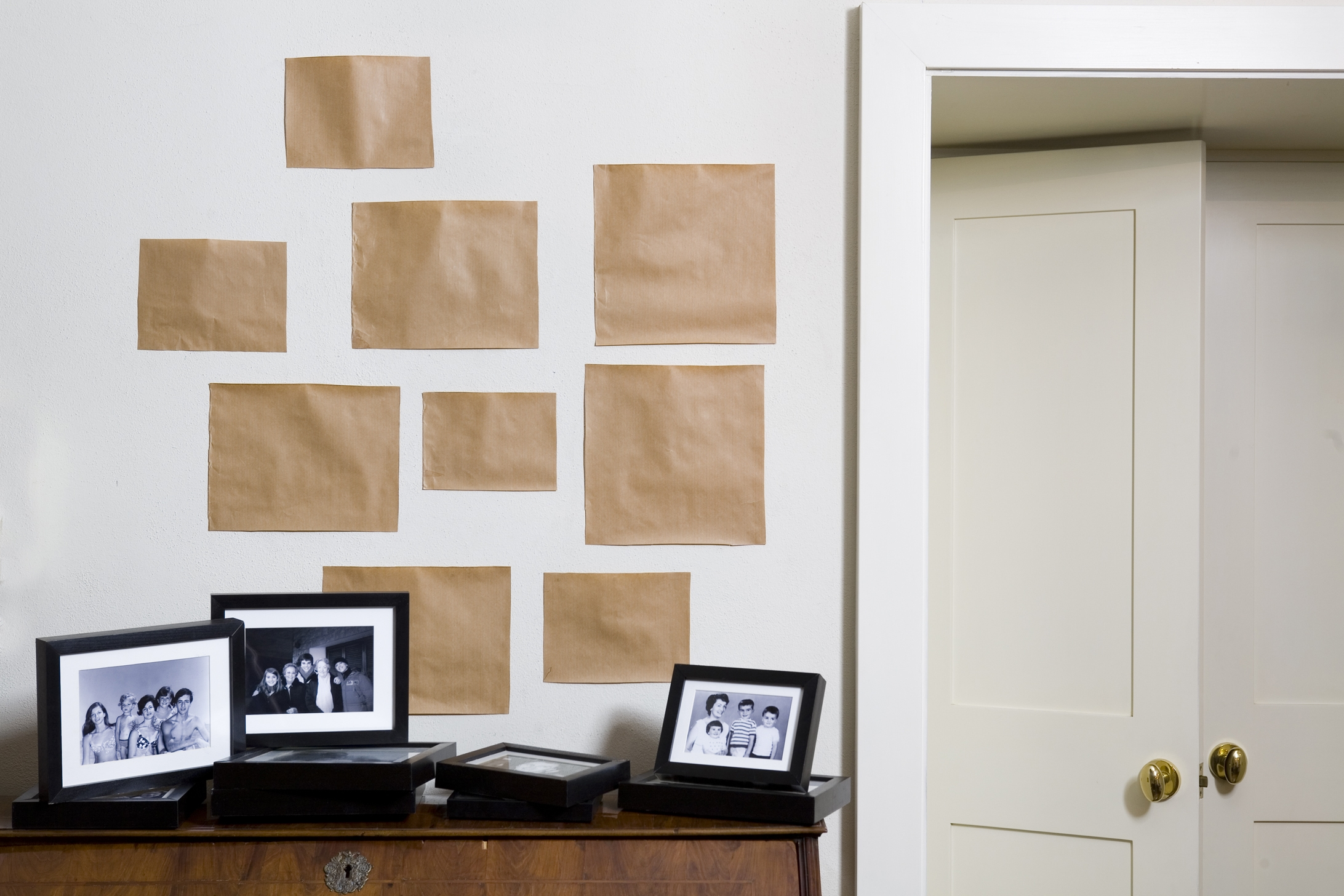 Come appendere un quadro soluzioni di casa for Appendere quadri senza chiodi