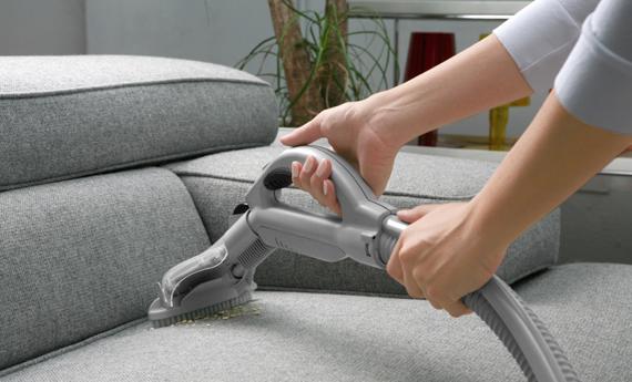 Come pulire divano in tessuto non sfoderabile