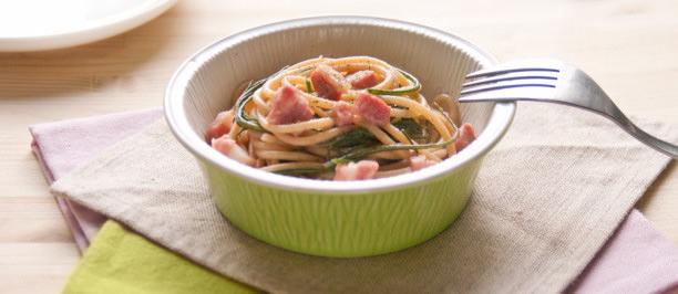 Spaghetti con agretti e dadolata di pancetta croccante for Cucinare gli agretti