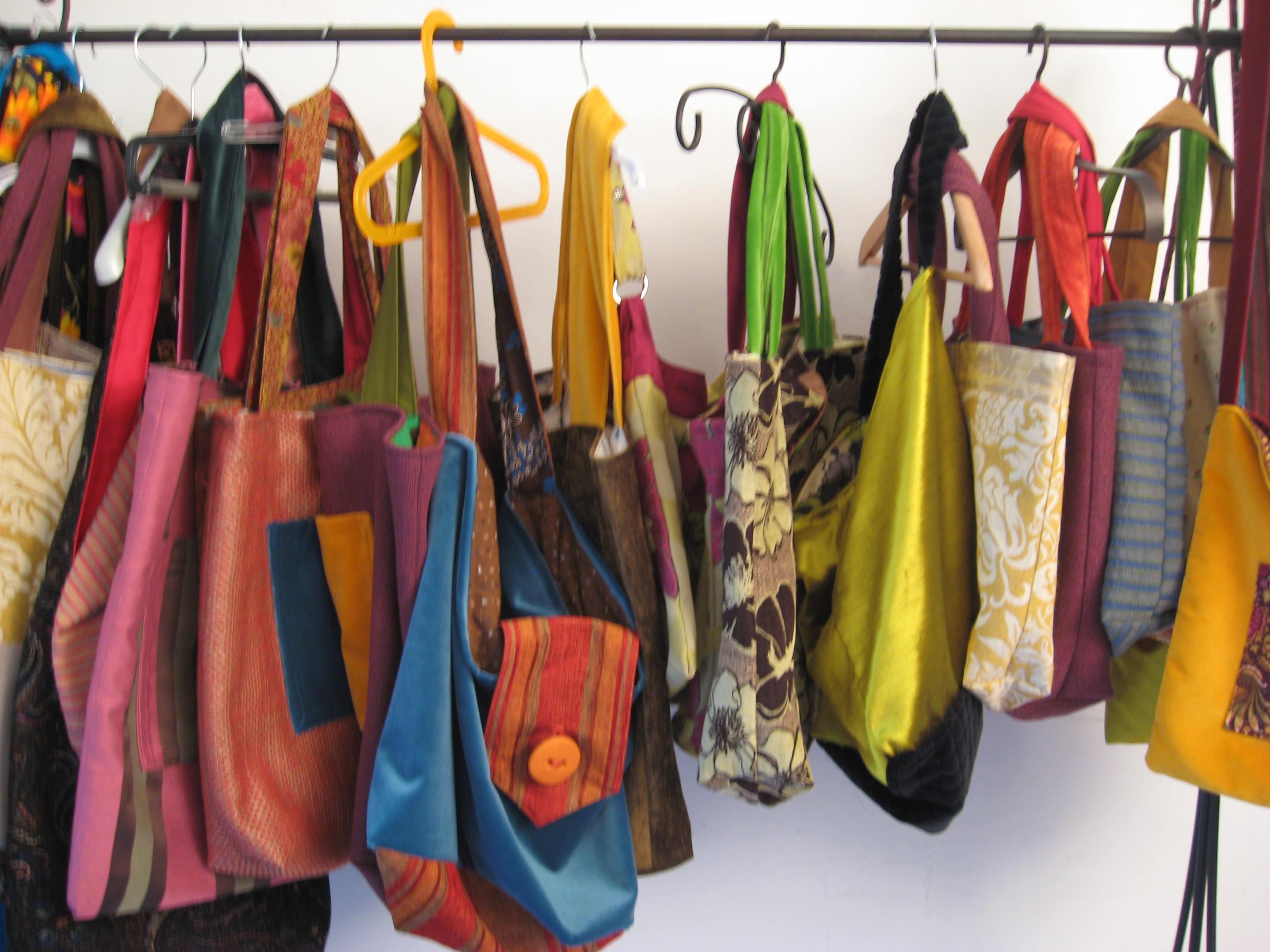 Popolare Come lavare le borse in lavatrice - Soluzioni di Casa EK48