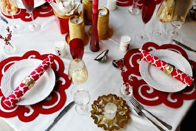 Decorazioni Tavola Natale Fai Da Te : Come creare dei sottopiatti per la tavola di natale soluzioni di
