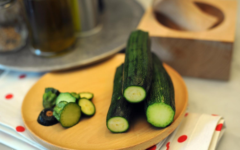 Come pulire e cucinare le zucchine soluzioni di casa for Cucinare le zucchine