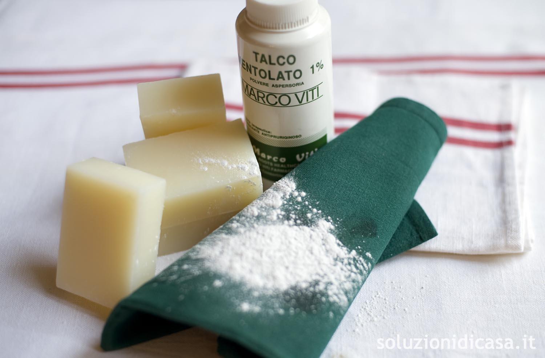 Macchie Di Unto Sulla Pelle come eliminare le macchie di olio dalla seta - soluzioni di casa