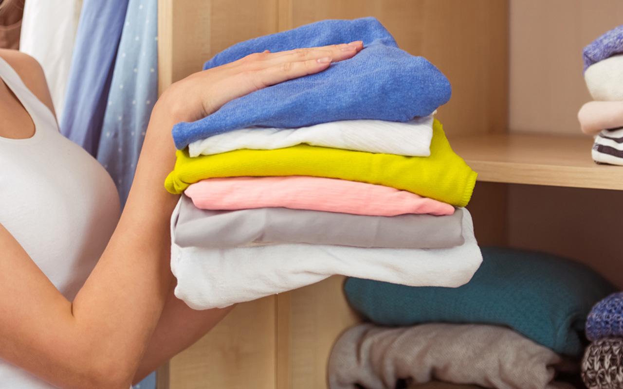 buy online 10df9 8a20f Attenzione all'armadio e ai capi in lana e cachemire ...